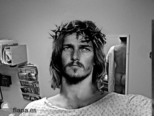 scarlett johansson, jesus, fotos, jesus lol, jesux, religion, movil, pamplina, ida de olla, meme, humor, jesucristo superstar