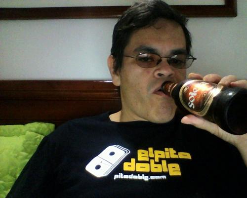 mijhail, birra, envianos una birra, cerveza, pitodoble está muerto, no es feo el hijoputa ni ná, tiraflecher